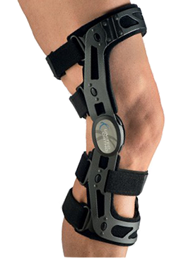 The FKB brace allows the natural motion of the knee throughout flexion and extension