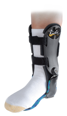 It has an anatomic ankle axis hinge placement with a semi-rigid lower limb supports.